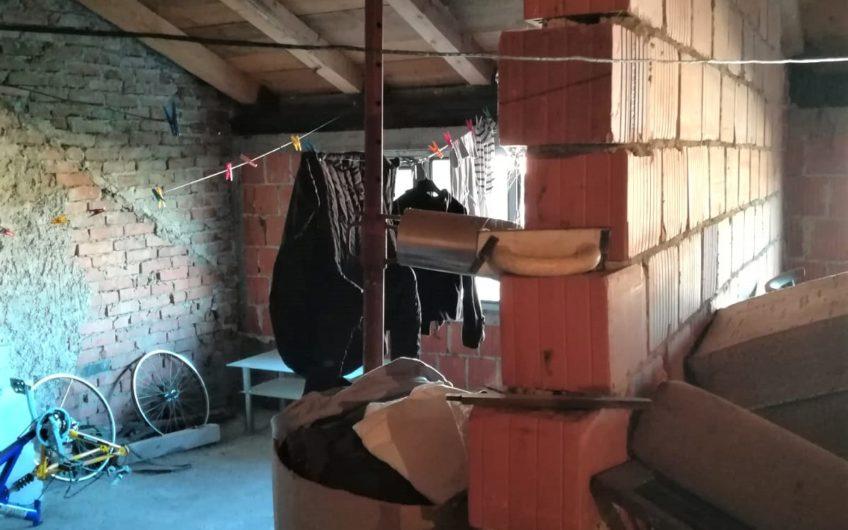 MAKSIMIR – kuća u nizu, 200 m2