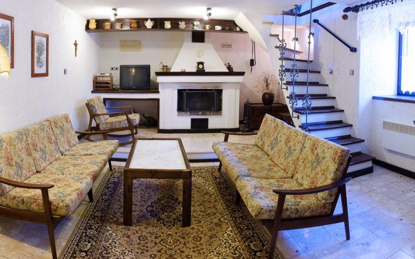 OTOK KRK, KRAS – samostojeća kuća, 165 m2