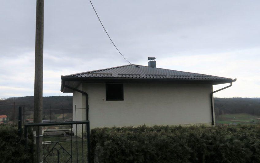 LADISLAVEC – VINIPOTOK – vikendica i vinograd, 1900 m2