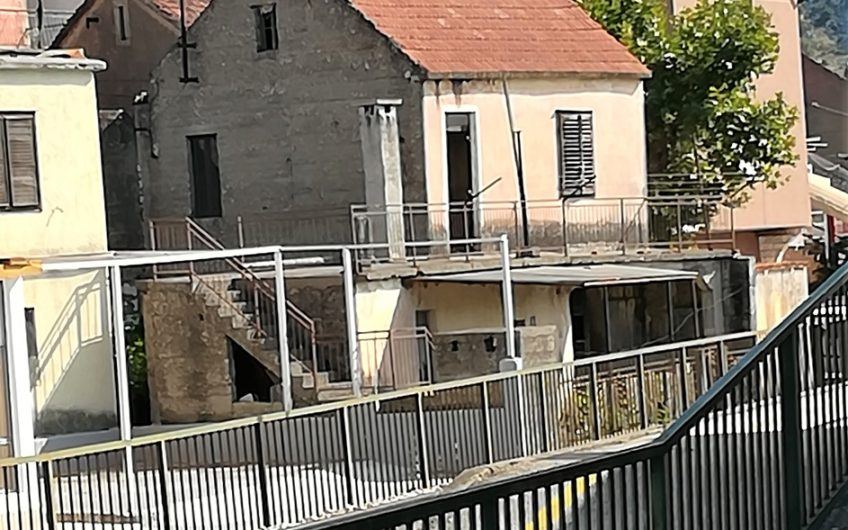 DOLINA NERETVE – KRVAVAC – kuća za renovaciju, 95 m2