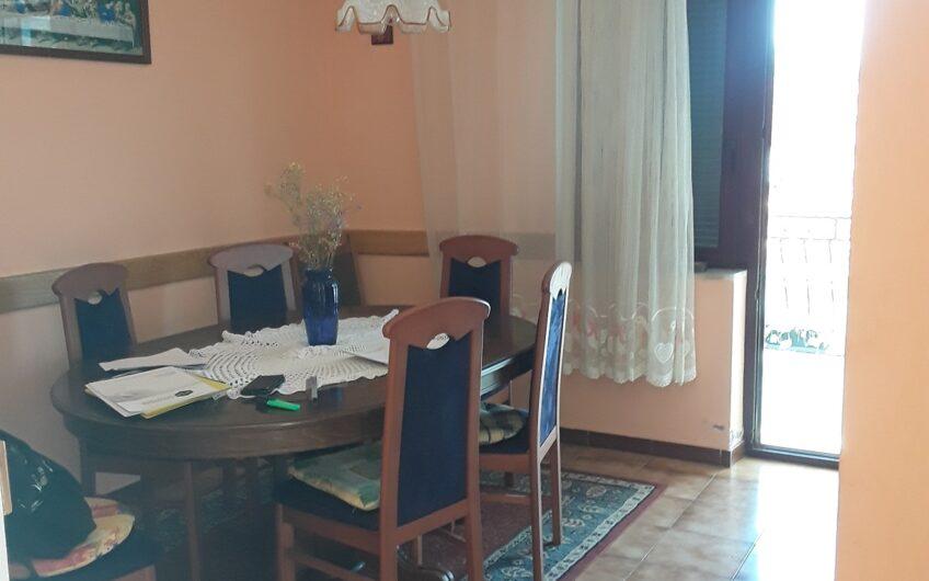 METKOVIĆ – kuća sa poslovnim prostorom, 500 m2