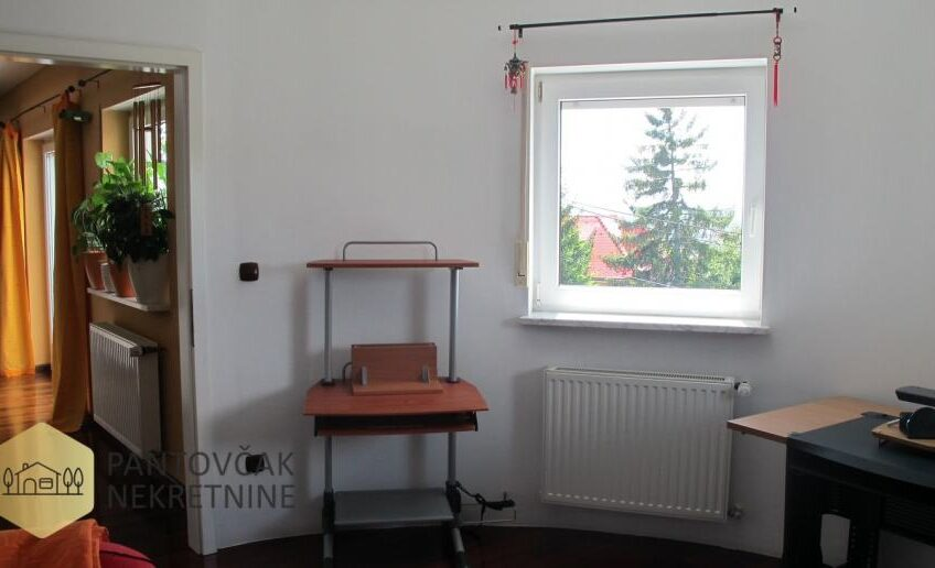 PERJAVICA – stan u zgradi, 1.kat, 146 m2