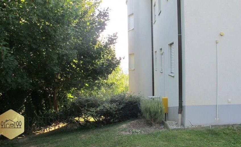 PERJAVICA – stan u zgradi, prizemlje, 37 m2