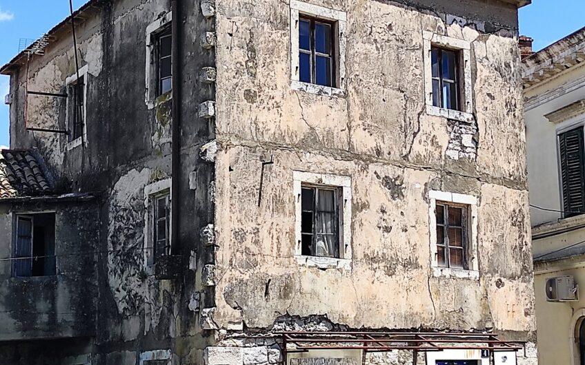 OPUZEN – kamena kuća za adaptaciju, 250m2